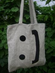Шьем сумки из различных тканей с индивидуальными нашивками.
