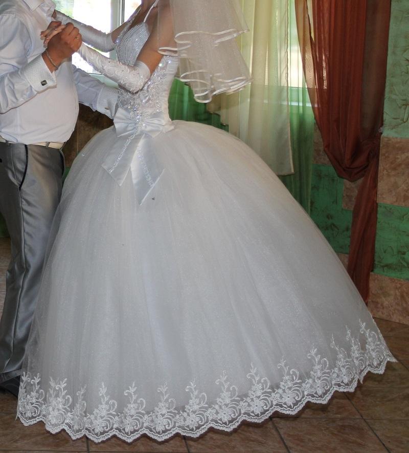 Продам свадебное платье в донецке