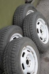 Зимние шины с дисками на ВАЗ б/у