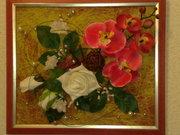 Картина из искусственных цветов и природных материалов