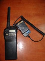 Портативная японская радиостанция