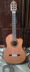 Продам классическую гитару VALENCIA CG180CE