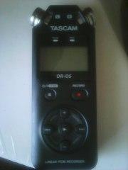 Рекордер TASCAM-dr-05