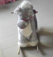 Продается лошадка для игры и катания