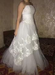 Продам новое изысканое свадебное платье