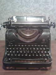 Печатная машинка Олимпия модель 8